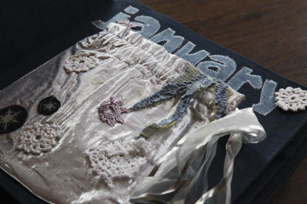 cloth books38